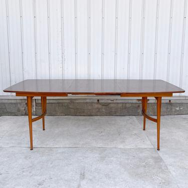 Mid-Century Modern Dining Table With Two Leaves by secondhandstory