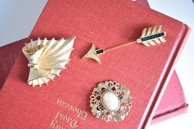Choice of Vintage Brooch | Options of Leaf Fern Motif, Arrow, and Pearl Cabochon | Mid-Century | Victorian | Gold Tone Costume Jewelry by LostandFoundHandwrks