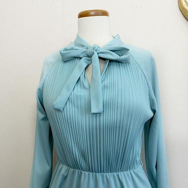 Vintage Jeannette Secretary Dress | 70s Powder Blue Dress | XL by blindcatvintage
