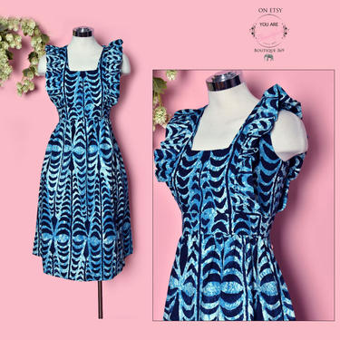 Vintage Blue Hawaiian Dress, 1950's Bark Cloth Cotton, Full Skirt, Hawaii Print Barkcloth Fit & Flare 60's Sleeveless by Boutique369