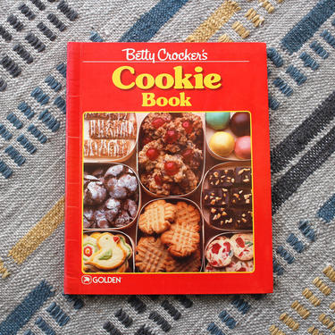 Vintage 1980s Betty Crocker Cookie Cookbook - Baking Dessert Recipes Food Photography Softcover Cookbook by SecondShiftVintage