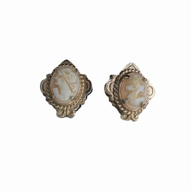 Coro Cameo Clip Earrings by InstantVintage78