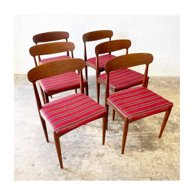 Johannes Andersen Danish Mid Century Set of 6 Teak Dining Chairs by FlipAtik