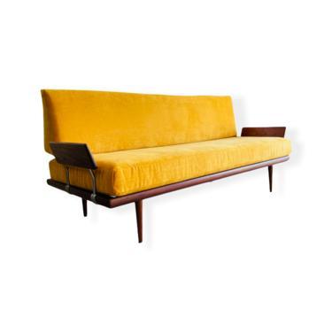 Danish Modern Teak Daybed / Sofa by Peter Hvidt for John Stuart