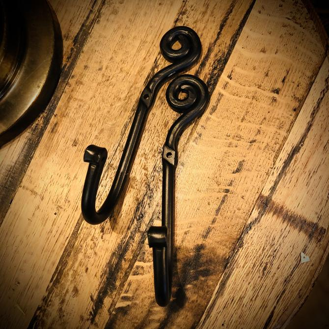 Curly Hooks