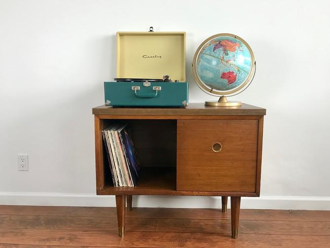 Reserve-D-MID CENTURY MODERN Record Player Stand by HouseCandyLA