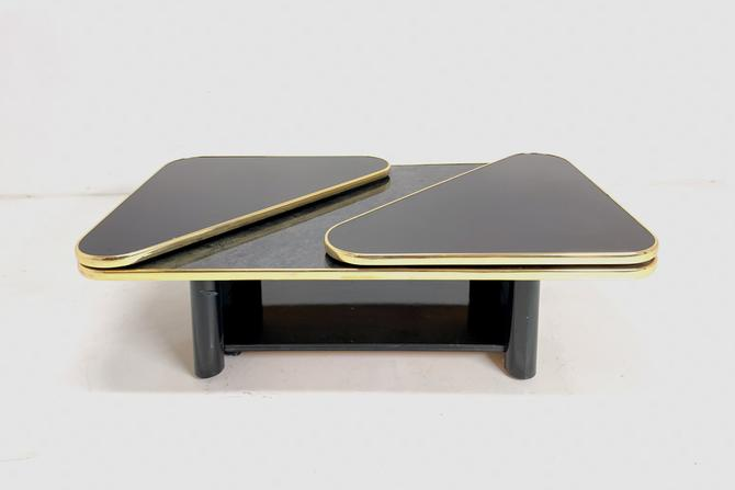 Black Swivel Table by BetsuStudio