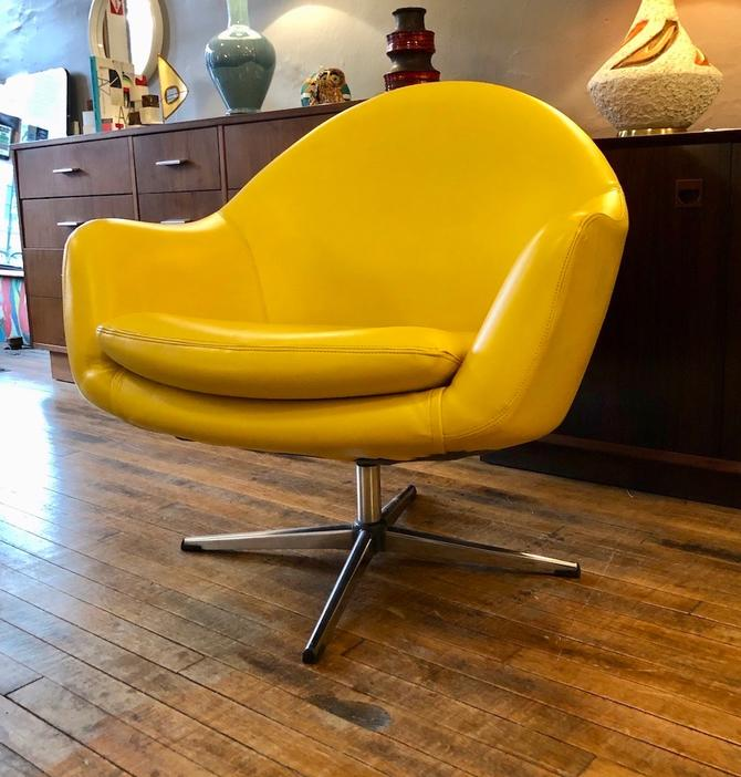 Overman Pod Swivel Chair in Canary Yellow 1970's