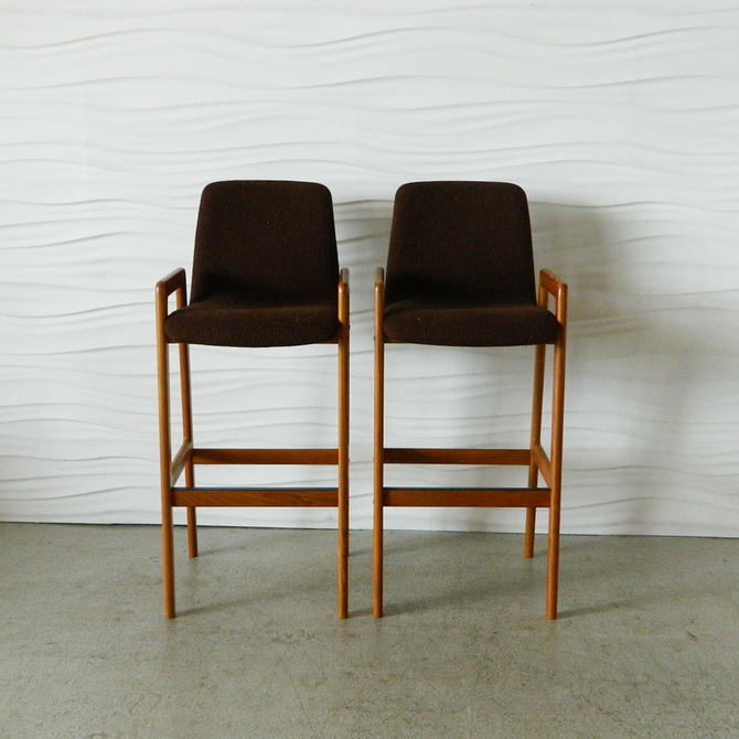 HA-C7944B Pair of Teak Barstools