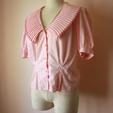 80s Pink Cottagecore Blouse with Accordion Sailor Collar Size M by NoSurrenderVintage