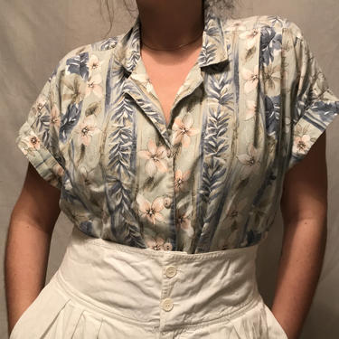 1980s Gray Hawaiian Button-Down Shirt by Paradise Bay    Pink and Blue Floral/Leaf Pattern w/Stripes    Super Soft    Women's L/XL by CelosaVintage