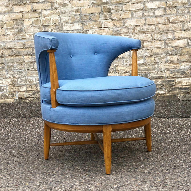 Tomlinson 'sophisticate' Swivel Club Chair