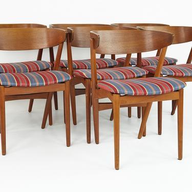Helge Sibast Model 7 Mid Century Teak and Oak Danish Dining Chairs - Set of 7 - mcm by ModernHill