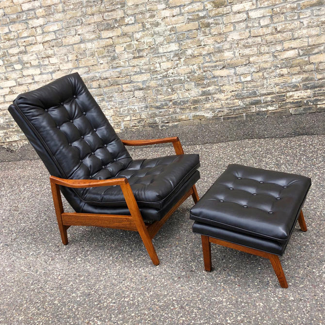 Scoop Back Lounge Chair + Ottoman