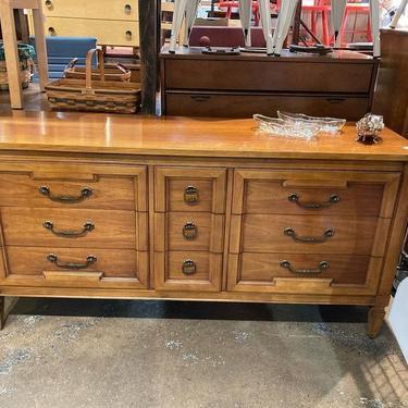 "Thomasville directore style dresser. 9 drawers! 64"" x 19.5"" x 32"""