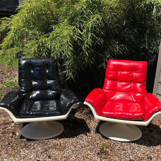 Mid Century Morris Futorian Space Age Lounge Chairs by DesertCactusVintage