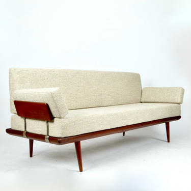 Minerva Daybed
