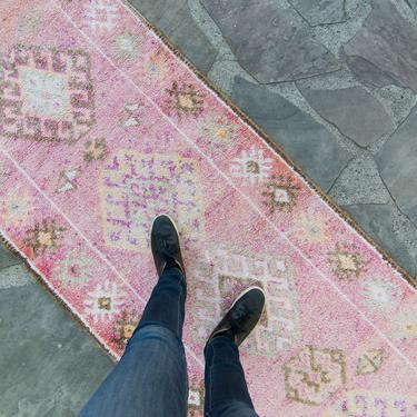 """Vintage 2'10.5"""" x 12'6"""" Runner Hand Knotted Distressed Geometric Medallion Pink Wool Low Pile Runner - FREE DOMESTIC SHIPPING by HouseofSeance"""