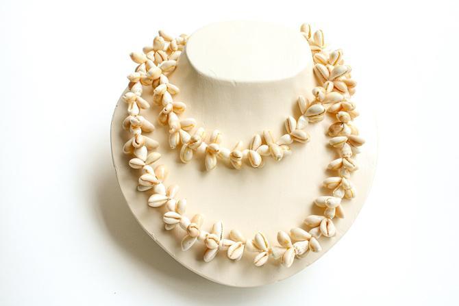 Vintage Seashell Necklace
