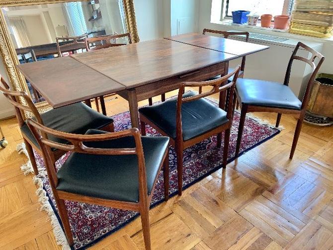Danish Rosewood Medium Dining Table W/ Extension Leaves Midcentury Modern