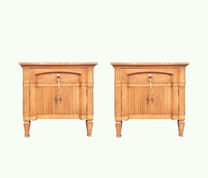 #423: Pair of Hollywood Regency Nightstands