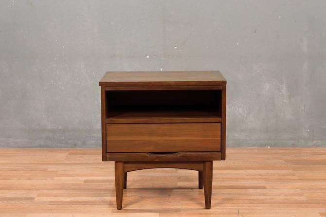 Mid Century Walnut & Laminate 1-Drawer Nightstand