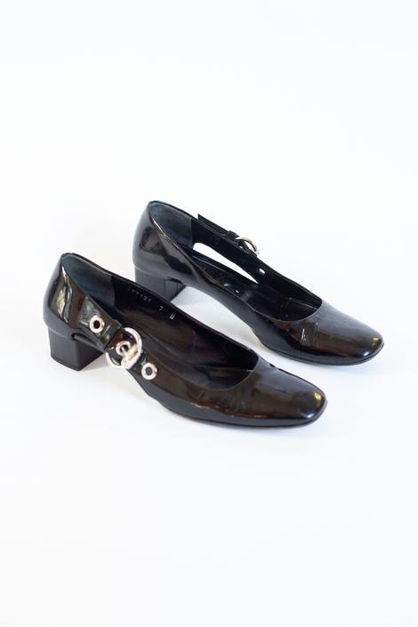 GUCCI Black Patent Leather Silver Buckle Low Heel Pumps sz 7 Equestrian Horsebit Grommets Vintage Minimal 90s Y2K Tom Ford by backroomclothing