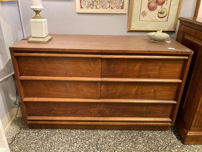 """Laminate top 6 drawer dresser from Lane. 48"""" x 18"""" x 29"""""""