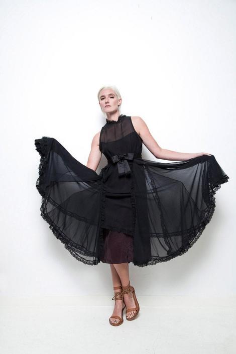 black sleeveless party dress lace trims full skirt sheer chiffon keyhole back vintage 80s M MEDIUM by shoprabbithole