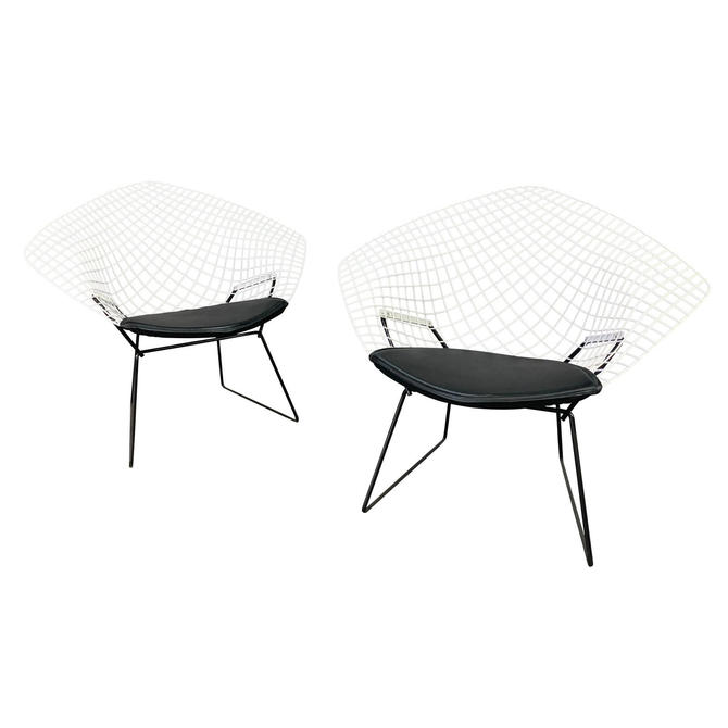 Pair of Vintage Mid Century Modern Diamond Chairs by Harry Bertoia for Knoll by AymerickModern