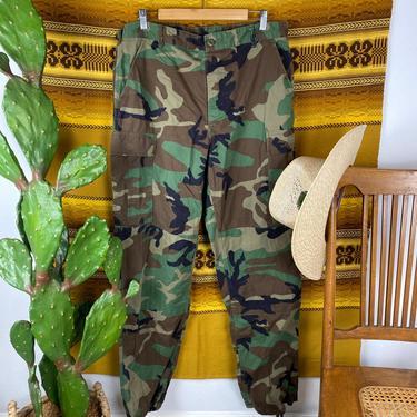Vintage Camouflage Army Pants Medium Long by DesertCactusVintage