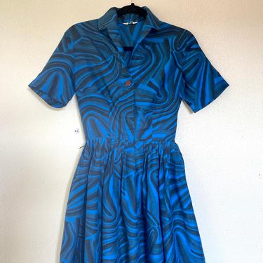 1950s Blue swirl print dress by VelvetGoldmineShop