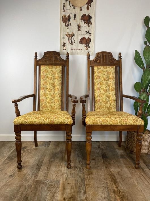 """Set of 2 Vintage 1970s """"Throne"""" Style Arm Chairs by DesertCactusVintage"""