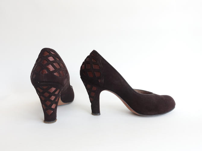 f6f57e075b5f6 Vintage 40s Chocolate Brown Fishnet Cut Out Pumps/ 1940s Suede and ...