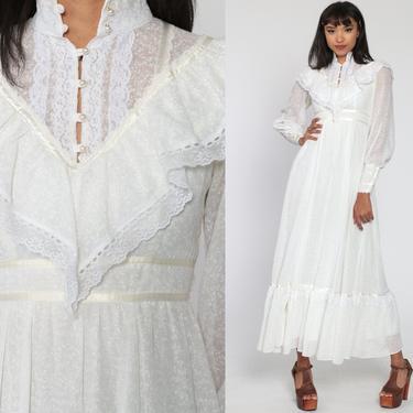 Gunne Sax Dress 70s White Maxi Prairie Dress FLORAL Calico Bohemian Wedding Dress Lace Ruffle Bib 1970s Boho Hippie Tiered Extra Small xs by ShopExile
