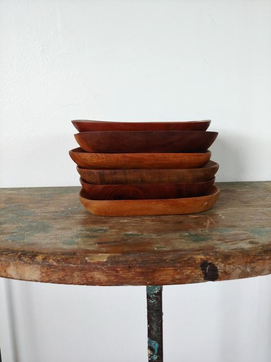 Vintage Set of 6 Small Handcrafted Teak Plates by ModandOzzie