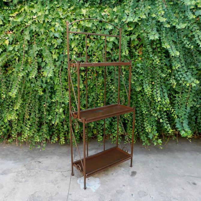 Chocolat Garden / Bakers Rack