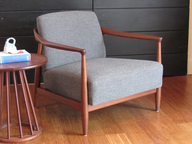 Newly-restored Erwin Lambeth mid-century walnut lounge chair, circa 1960s by MidCenturyClever