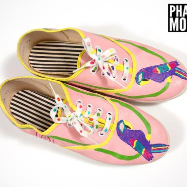 Size 7.5/8 KITSCHY Vintage 80s 90s Pink Puffy Paint Parrots Wearable Art Sneakers by RETMOD