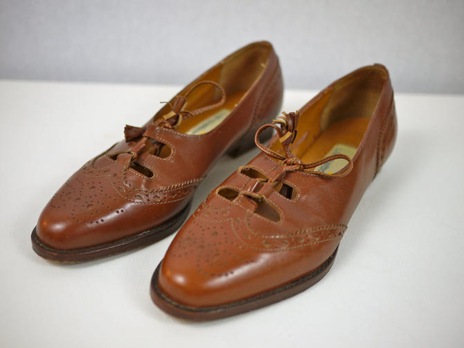 Brown Leather Brogue Oxford Flats with Tassel Tie by citybone