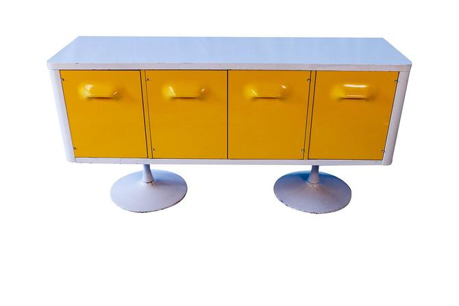 Raymond Loewy Style CHAPTER ONE Broyhill Premier Credenza Dresser Cabinet by Marykaysfurniture