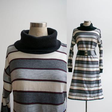 Vintage 1980s Bodycon Dress / Striped Bodycon Dress / 80s Dress / Black and Gray Dress / Longsleeve Dress / Turtleneck Dress by milkandice