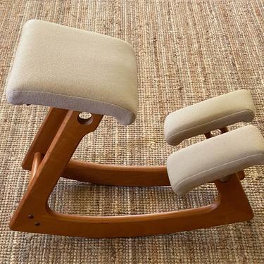 Vintage Original Balans Kneeling Chair Norway by Walkingtan