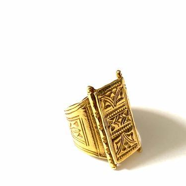 Deisha Adjustable Brass Ring