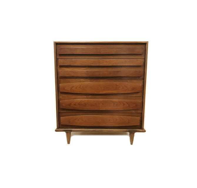 Vintage Mid Century Dresser In Wood by minthome