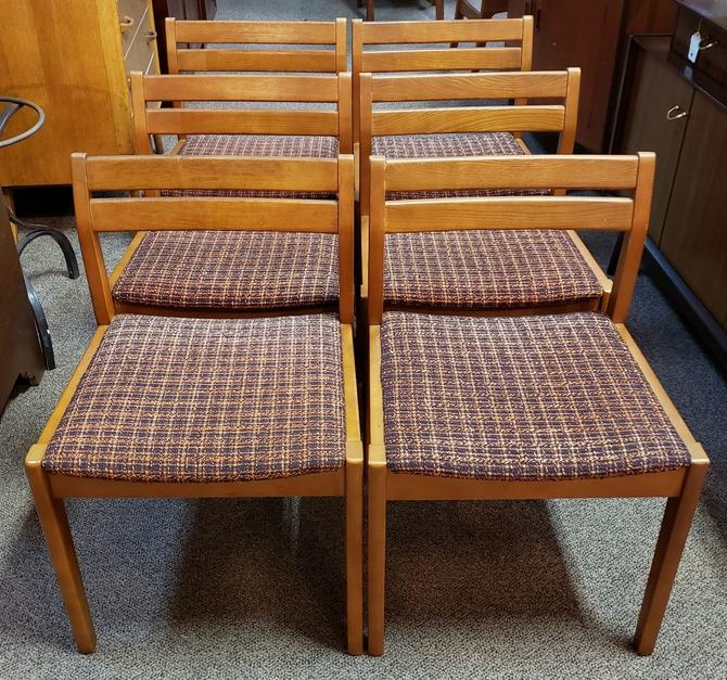 Item #MA47 Set of Six Vintage Dining Chairs c.1960