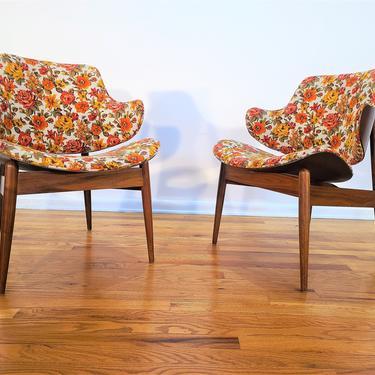 Mid Century Kodawood Pair of Clam Shell Chairs by ProRefineFurnishings