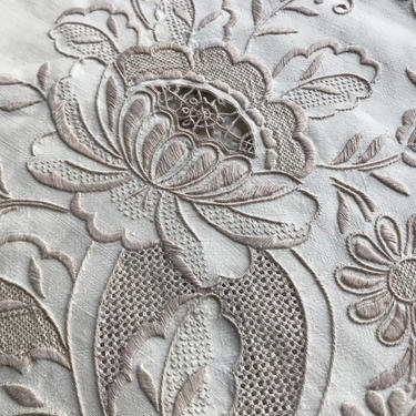Italian Heirloom Table Linens, Tablecloth, Dinner Napkins, Floral Embroidery Linen, Decorative Table Linen by JansVintageStuff