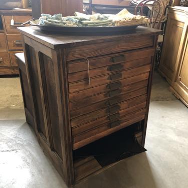 Hamilton Cabinet