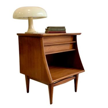 Mid Century MODERN Walnut NIGHTSTAND / end table by Kent Coffey Foreteller by CIRCA60